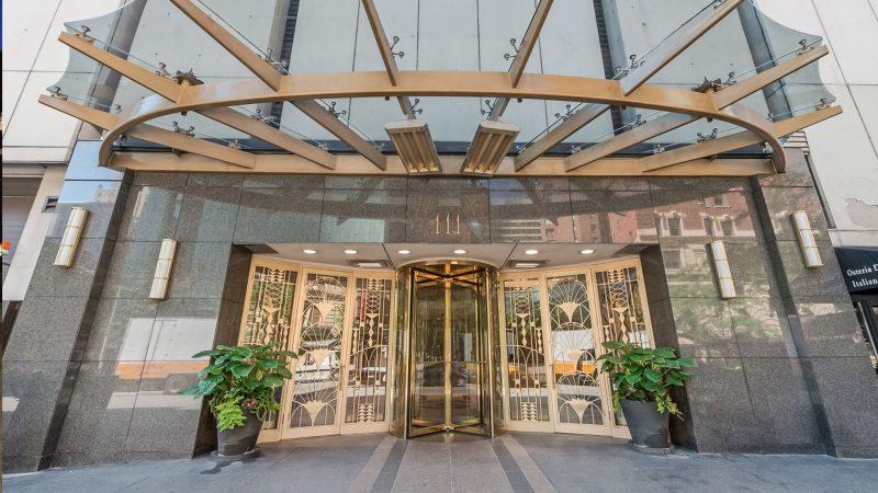 111-chestnut-lobby